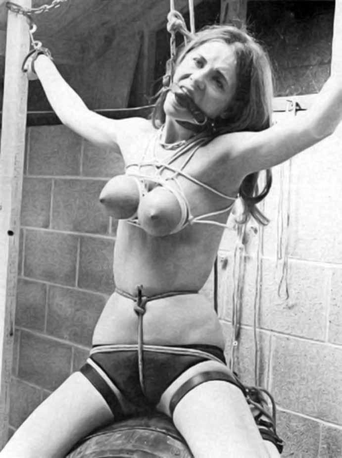 乳首拷問->画像>212枚